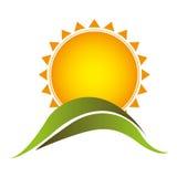 le soleil d'autocollant de couleur avec l'icône de montagne Image stock