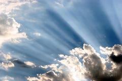 le soleil de faisceaux images stock