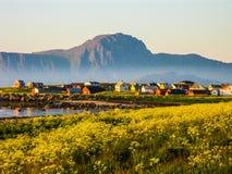 Le soleil de minuit étonnant en Norvège image libre de droits