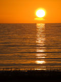 Le soleil de minuit Photos libres de droits