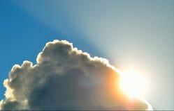 Le soleil de nuage Photographie stock libre de droits