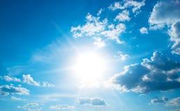 Le soleil de pétillement Photos stock
