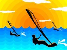 Le soleil de vague déferlante Image stock