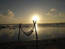 le soleil est vers le bas image libre de droits