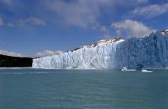 Le soleil et ombre de Perito Moreno de glacier Photographie stock libre de droits