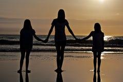 Le sorelle si uniscono Fotografia Stock Libera da Diritti