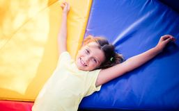 Le sourire des enfants est le plus beau photo stock