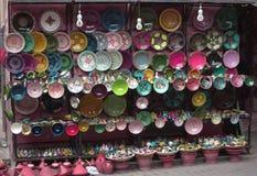 Le souvenir coloré rayonne sur les marchés orientaux Images stock