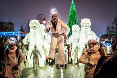 Le spectacle de ménage de Remue à Kazan, Tatarstan/Russie La troupe française fonctionne dans des styles de cirque, de danse et d Photo libre de droits
