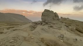 Le sphinx de Bucegi, au coucher du soleil clips vidéos