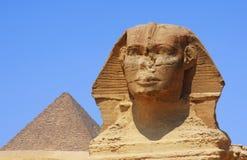 Le sphinx et la pyramide en Egypte photos libres de droits