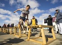 Le sport national de sauter par-dessus le traîneau Photo stock