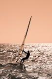 Le sportif sur le panneau de navigation. Photo stock