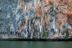 Le stalattiti nel mare fotografia stock libera da diritti