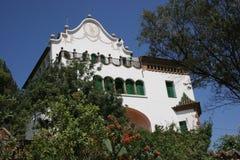 Le stationnement Guell de Gaudi à Barcelone - maison espagnole Photographie stock libre de droits