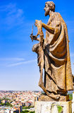 Le statue della cattedrale di Almudena Fotografia Stock