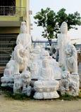 Le statue di marmo tradizionali asiatiche nel Vietnam hanno venduto al mercato Fotografia Stock Libera da Diritti