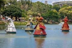 Le statue di Oxala, di Ogum e di Xango Orixas dei san africani tradizionali di Candomble in Dique fanno Tororo - Salvador, Bahia, Fotografia Stock