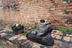 Le statue senza testa di Buddha che si siedono sul piedistallo Immagine Stock Libera da Diritti