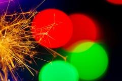 Le stelle filante di Natale hanno colorato le luci fotografia stock libera da diritti