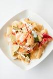 Thaifood, Stir a fait frire la crevette rose avec de la sauce à citron. Photo libre de droits