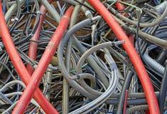 Le stockage des écheveaux de la corde a employé jeté dans une décharge pour l'industri Image libre de droits