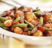 Le strisce della carne con i fagioli pepano la patata e la salsa al pomodoro Fotografia Stock Libera da Diritti