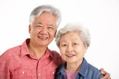 Le studio a tiré des couples aînés chinois Images libres de droits