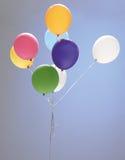 Le studio a tiré du ballon coloré de réception photos libres de droits