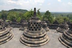 Le stupa antique chez Borobudur est un temple bouddhiste du 9ème siècle à Yogyakarta, Java-Centrale, Indonésie Photographie stock libre de droits