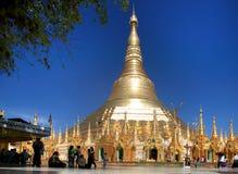 Le stupa central de la pagoda de Shwedagon Photographie stock libre de droits
