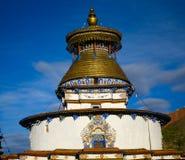 Le stupa de bouddhisme avec Bouddha observe dans le gyantse Thibet Images stock