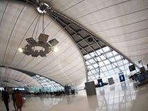 Le style contemporain de matériel et de construction conçoivent l'aéroport de SUVARNABHUMI À BANGKOK Images stock