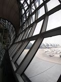 Le style contemporain de matériel et de construction conçoivent l'aéroport de SUVARNABHUMI À BANGKOK Photos libres de droits