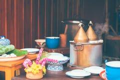 Le style thaïlandais a cuit le casse-croûte ou le Khao à la vapeur Kriab Pak Moh Pot de boulettes de Riz-peau image libre de droits