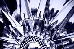 Le stylisé de la roue chromeplated Photo libre de droits