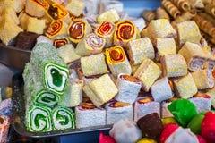 Le sucre coloré de préparation de gelée enroulent le fruit doux de gelée et de saveur image stock