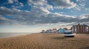 Le Suffolk d'Aldeburgh de bateaux de pêche images stock
