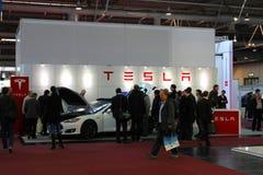 Le support de Tesla circule en voiture le 20 mars 2015 Photos stock