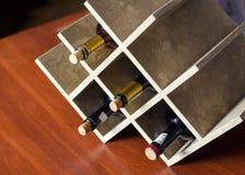 Le support pour des bouteilles de vin photo stock