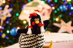 Le symbole de nouvelles 2017 années de jeune coq Photo stock