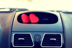 Le symbole du coeur rouge d'amour et de fidélité forment comme cadeau pour Valentine Day Photo stock