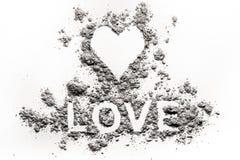 Le symbole et l'amour de coeur expriment des lettres dessinant en cendre, la poussière Images libres de droits