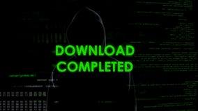Le téléchargement a accompli, pirate informatique volant des données personnelles de compte, message système photographie stock libre de droits