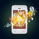Le téléphone intelligent émet des lettres, des nombres et la fumée Images stock