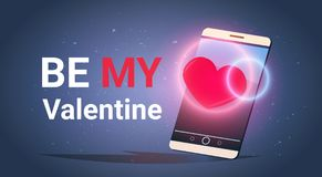 Le téléphone intelligent avec soit mon invitation de célébration de Valentine Text Message Love Holiday Photographie stock