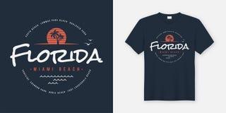 Le T-shirt et l'habillement de la Floride Miami Beach conçoivent, typographie, prin illustration libre de droits