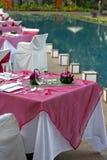 Le tabelle pranzanti si avvicinano al raggruppamento Fotografia Stock Libera da Diritti