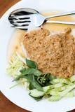 Le tagliatelle di riso nel granchio del curry del pesce sauce con le verdure Fotografia Stock Libera da Diritti