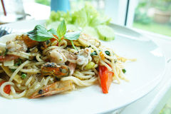 Le tagliatelle ubriache, frutti di mare degli spaghetti La Tailandia, stile, gusto immagini stock libere da diritti